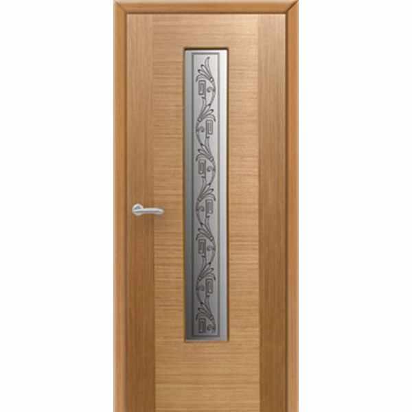 Дверь межкомнатная Карат шпон дуб, остекленное, 70 см.